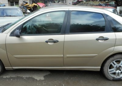 vykup-Ford-Focus-1-USA-2000g-bok-prav