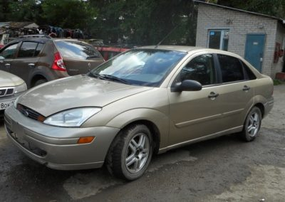 vykup-Ford-Focus-1-USA-2000g-pered-bok